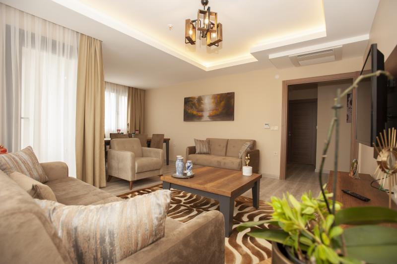 Empula Hotel & Residences
